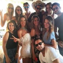 Alessandra Ambrosio siempre se rodea de sus mejores amigos