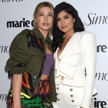 Kylie Jenner y Hailey Baldwin, famosas y amigas