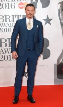 El mejor look de Luke Evans