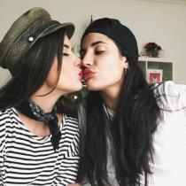 Selfies con besos para Dulceida y su chica