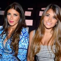 Antonella Rocuzzo, con su mejor amiga Daniella Semaan