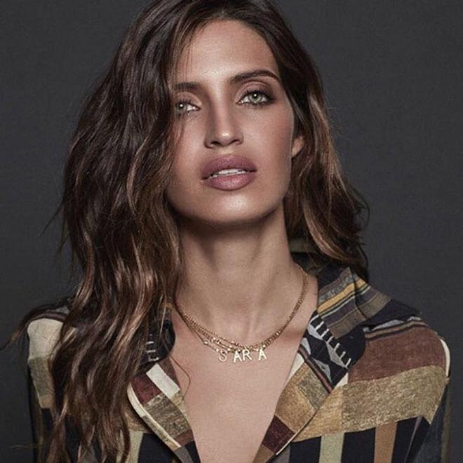 Sara Carbonero, una mamá por partida doble muy sexy
