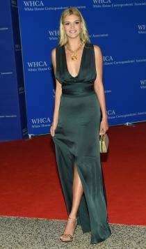 Cena de Corresponsales de la Casa Blanca: Kelly Rohrbach, radiante y estupenda