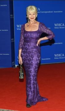 Cena de Corresponsales de la Casa Blanca: Helen Mirren apuesta por el morado