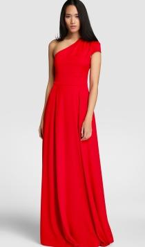 Si quieres marcar barriguita de embarazada, un vestido de El Corte Inglés te ayuda