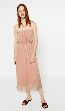 Invitadas de boda embarazadas: un vestido bohemio de ZARA