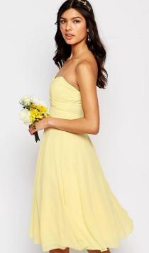 Un vestido corto de ASOS, ideal para el embarazo