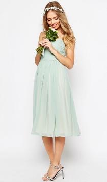 Para lucir barriguita premamá de embarazada, nada mejor que un vestido suelto de ASOS