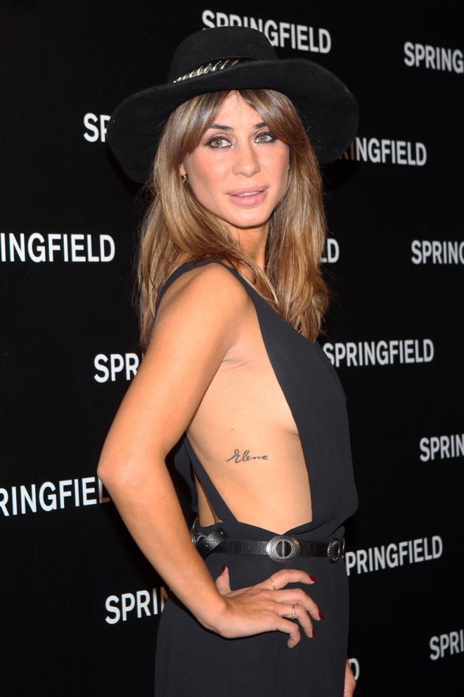 Tatuajes En Las Costillas El Nombre De Elena Tablada