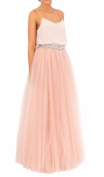 Una falda de tul larga de Bgo & Me, ideal para invitadas de boda