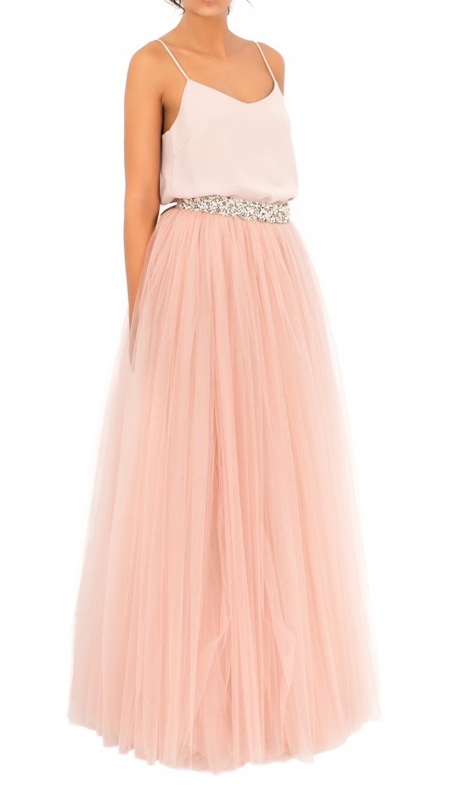 0a8d6d976 Una falda de tul larga de Bgo & Me, ideal para invitadas de boda