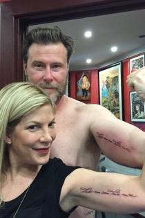 Tori Spelling, tatuada y enamorada