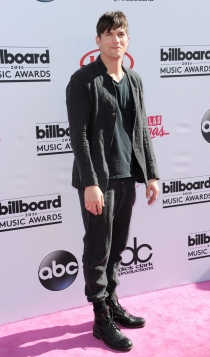 Billboard Music Awards 2016: Ashton Kutcher, sencillo y casual