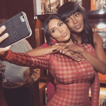 Selfies de famosos: Kim Kardashian y Naomi Campbell