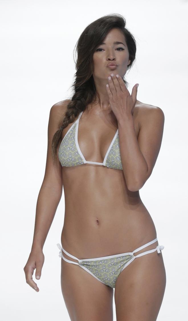 Famosas con los pechos operados: Malena Costa