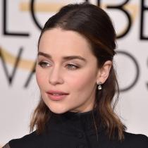Los labios nude más favorecedores de Emilia Clarke