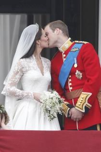 Kate Middleton y Guillermo de Cambridge, ¡más besos!
