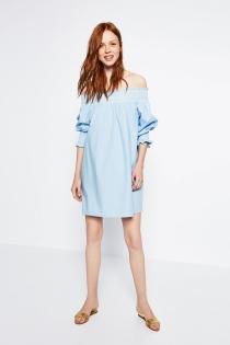 Apuesta por el tejido del verano con un vestido de ZARA