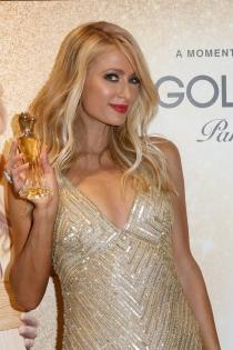 Famosas con perfume: Gold Rush by Paris Hilton