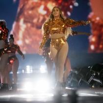 Beyoncé, otro look dorado para Formation