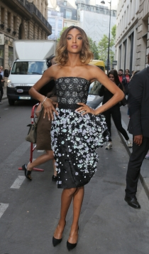 Famosos con la alta costura de París: Jourdan Dunn, estupenda figura