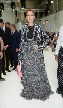 Famosos con la alta costura de París: Celine Dion, demasiado recargada