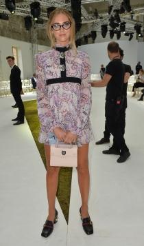 Famosos con la alta costura de París: Chiara Ferragni, diferente