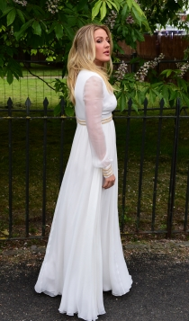 Fiesta de Serpentine Gallery: Ellie Goulding, total white