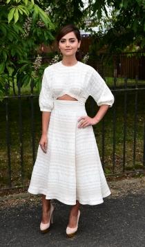 Fiesta de Serpentine Gallery: Jenna Coleman, estupenda de blanco