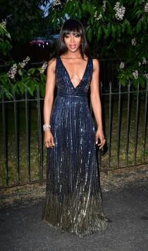 Fiesta de Serpentine Gallery: Naomi Campbell, radiante y estupenda