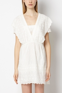 Un vestido blanco de Hoss Intropia, ideal para Ibiza