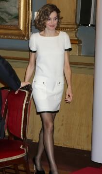 Un vestido blanco corto de la reina Letizia