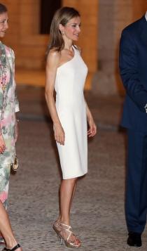 El vestido blanco más sexy de Letizia