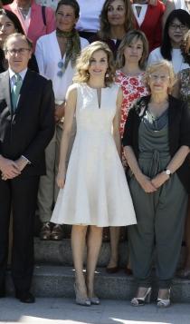 Letizia apuesta por los vestidos brocados