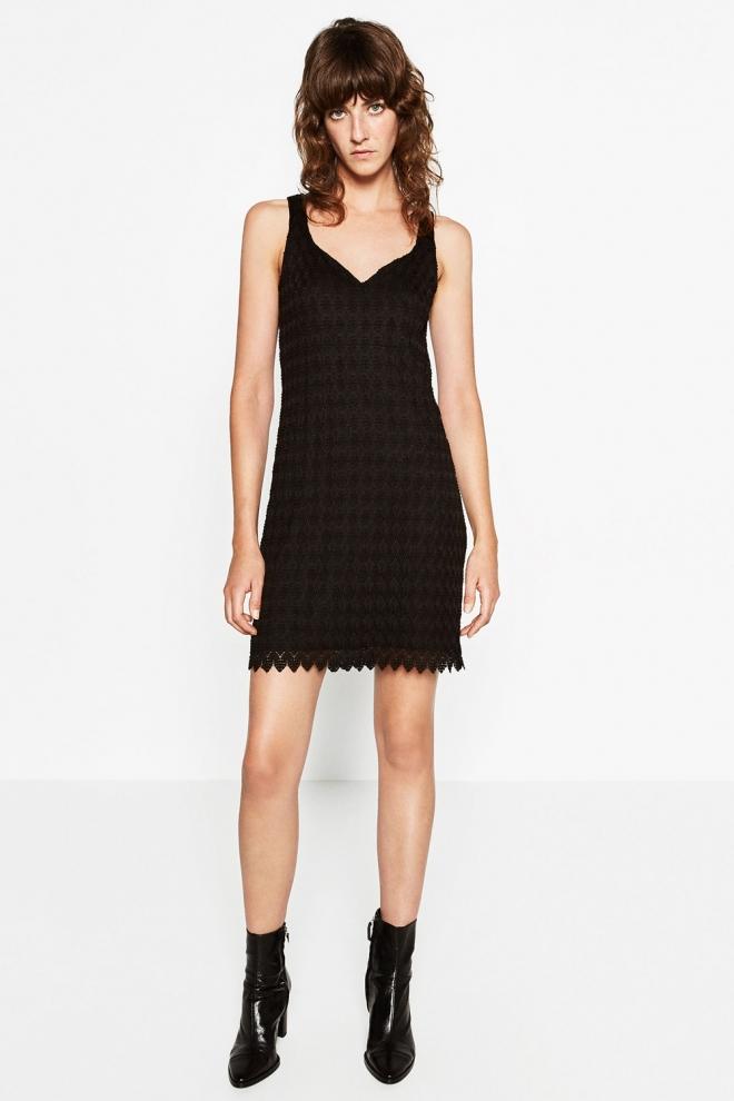8f324e9bd0 Un vestido negro de verano de ZARA para triunfar