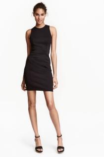 Un sexy vestido negro de verano de H&M