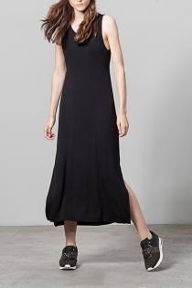 Un vestido largo y negro de Stradivarius para triunfar