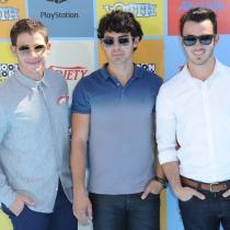 Jonas Brothers: Look veraniego
