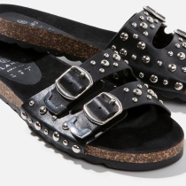 7 'Ugly Shoes' con estilo: Negras con tachas