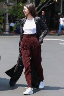 Kendall Jenner, de paseo