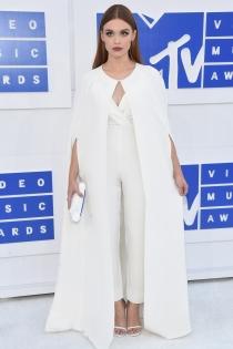MTV VMAs 2016: Holland Roden, total look blanco