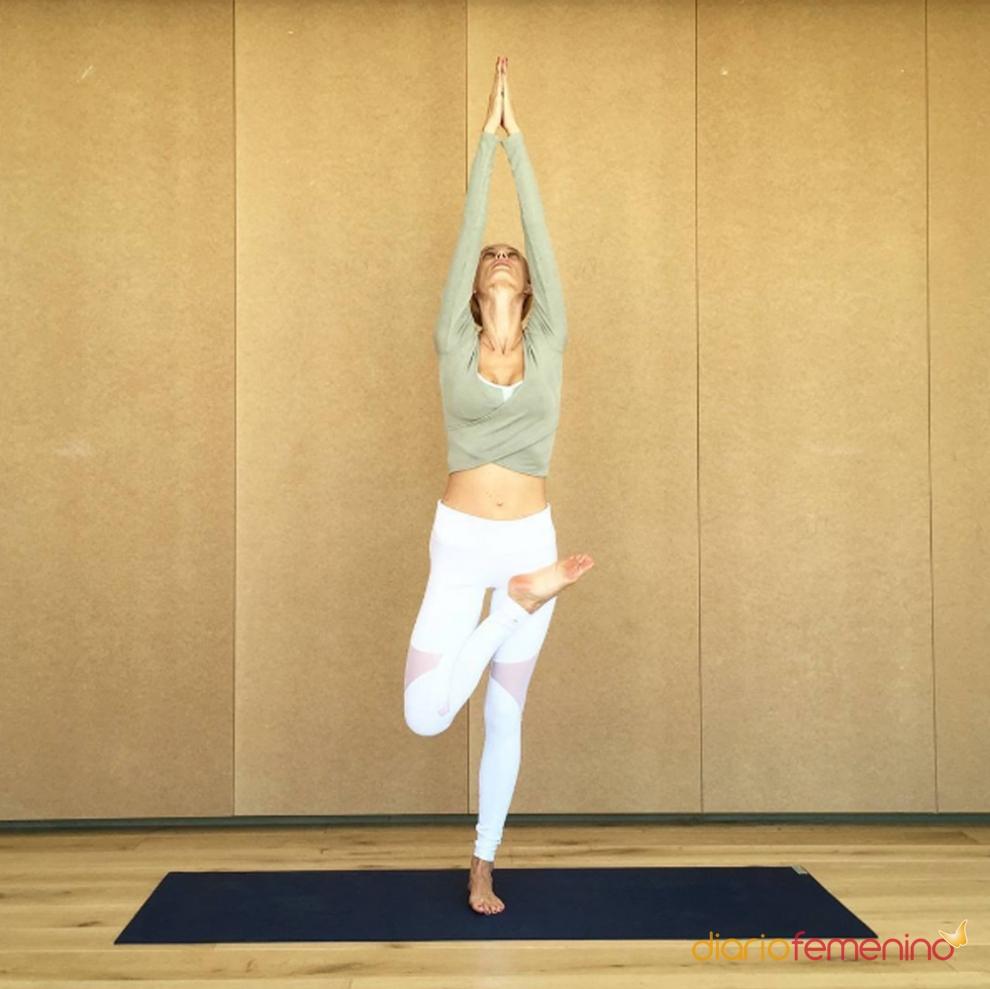 La postura de yoga de vanesa lorenzo en instagram for Instagram vanesa lorenzo