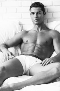 Famosos sexys: Cristiano Ronaldo y su línea de ropa interior
