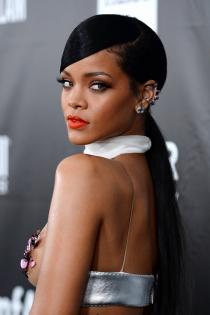 Los labios naranjas que también le quedan bien a Rihanna