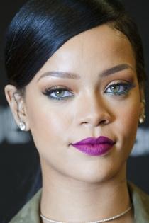 Otro color muy sexy para Rihanna