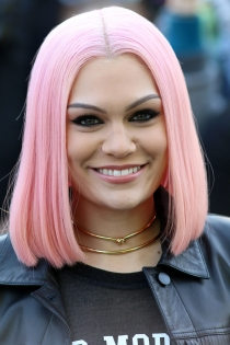 Jessie J, del pelo verde al rosa