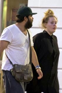 Famosos casados con personas normales: Adele y su novio normal