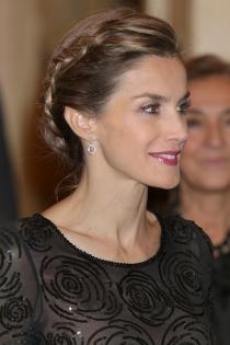 Peinados reina Letizia: un recogido con trenzas