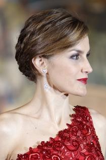 Peinados reina Letizia: el pelo siempre recogido