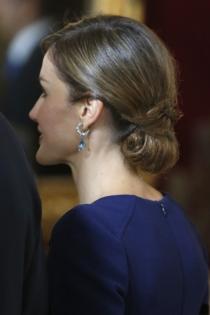 Peinados reina Letizia: un moño bajo muy elegante
